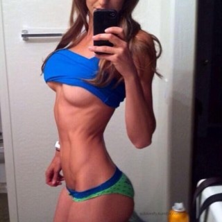girls-with-abs-08.jpg