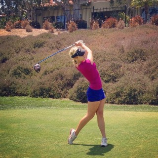 paige-renee-golf-sensation-03.jpg