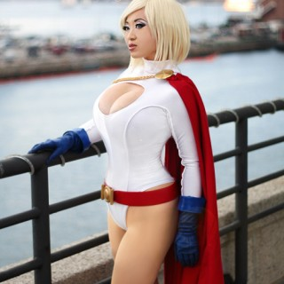 girls-dressed-as-superheros-14.jpg