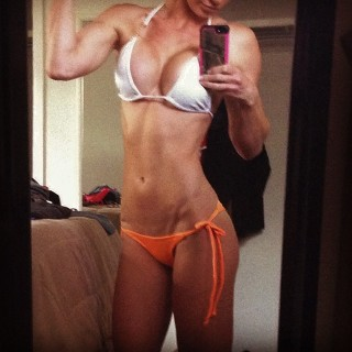 girls-with-abs-01.jpg
