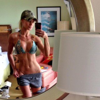 girls-with-abs-10.jpg