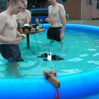 wrong-tool-construction-fails-30.jpg
